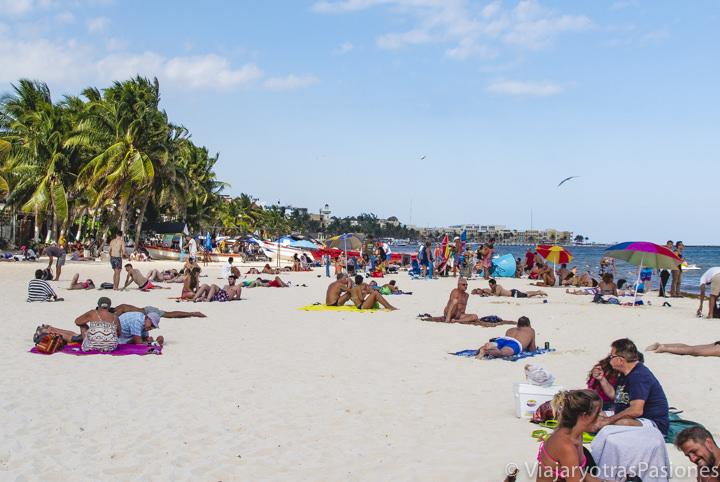 Vista panorámica de la famosa playa de Playa del Carmen, México