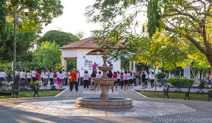Plaza central del pueblo de Bacalar, en México