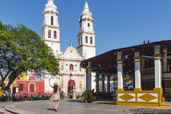 Herma vista de la Plaza de la Independencia de Campeche, en México
