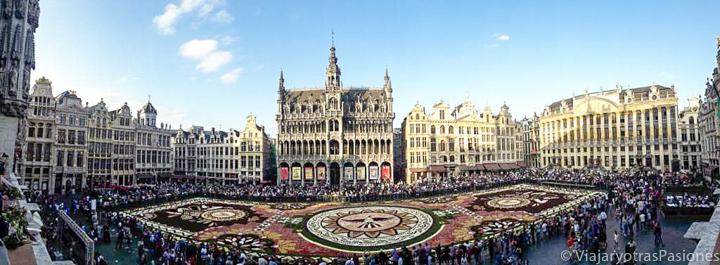 Preciosa vista de la Gran Place de Bruselas en Bélgica