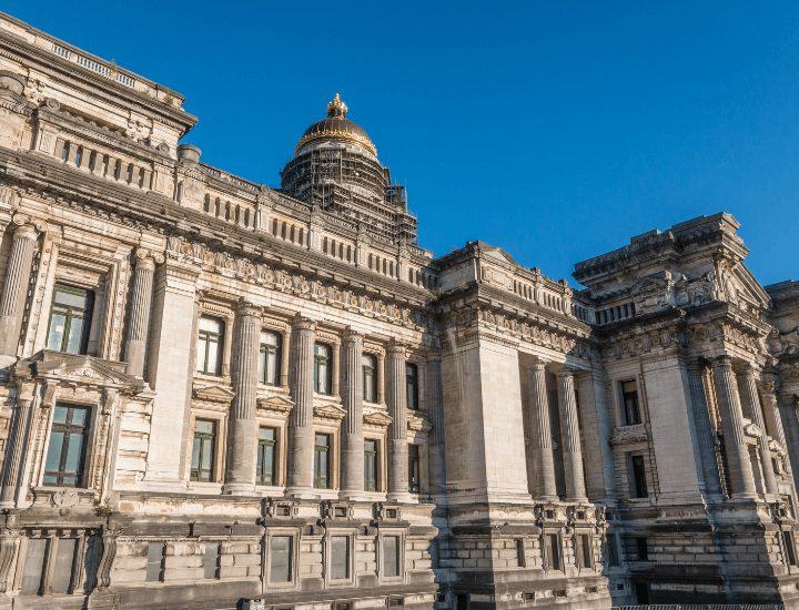 Imagen del enorme Palacio de Justicia de Bruselas, en Bélgica