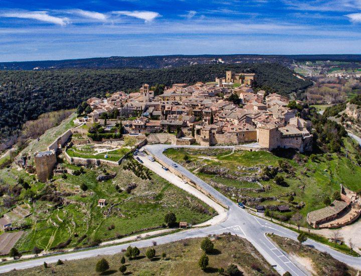 Panorama aéreo de Pedraza en la provincia de Segovia, España