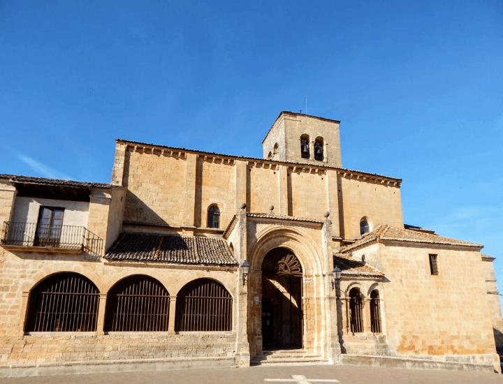 Panorama del Santurario de la Virgen de la Peña en Sepúlveda, España