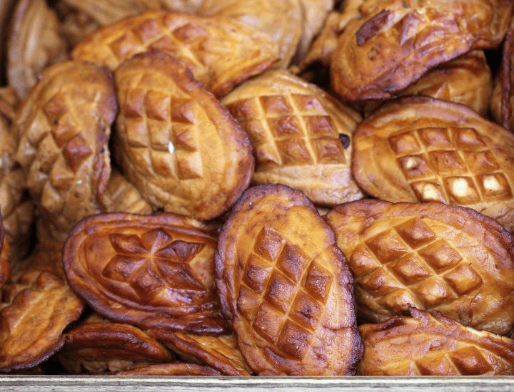 Vista de los deliciosos quesos oscypek, típicos de Polonia