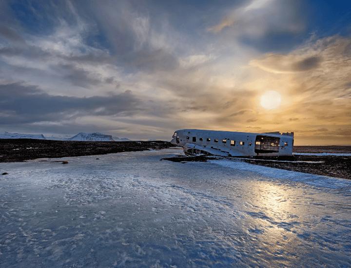 Imagen del avión abandonado en Islandia
