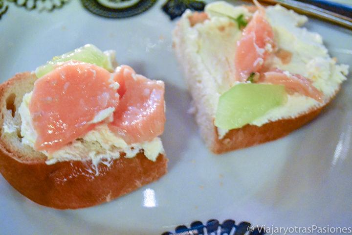 Deliciosas tostadas de salmón en Islandia