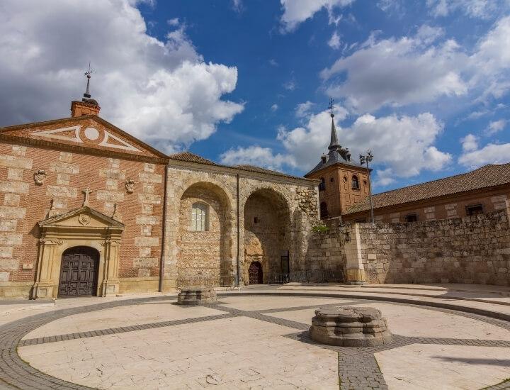 Vista de la Capilla del Oidor en Alcalá de Henares, en España