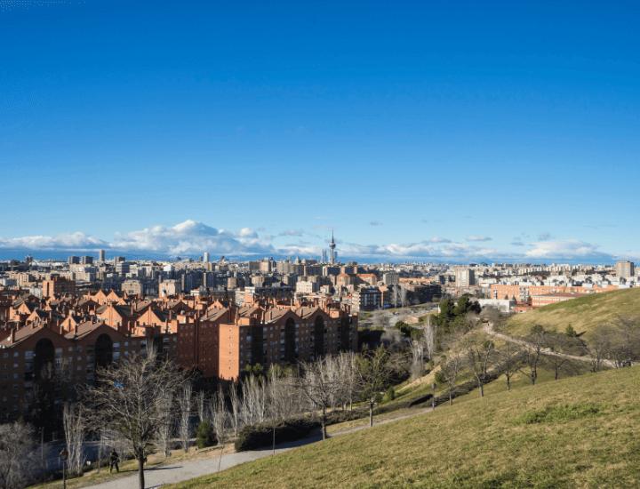 Increíble panorama desde el parque del Cerro del Tío Pío en Madrid, España