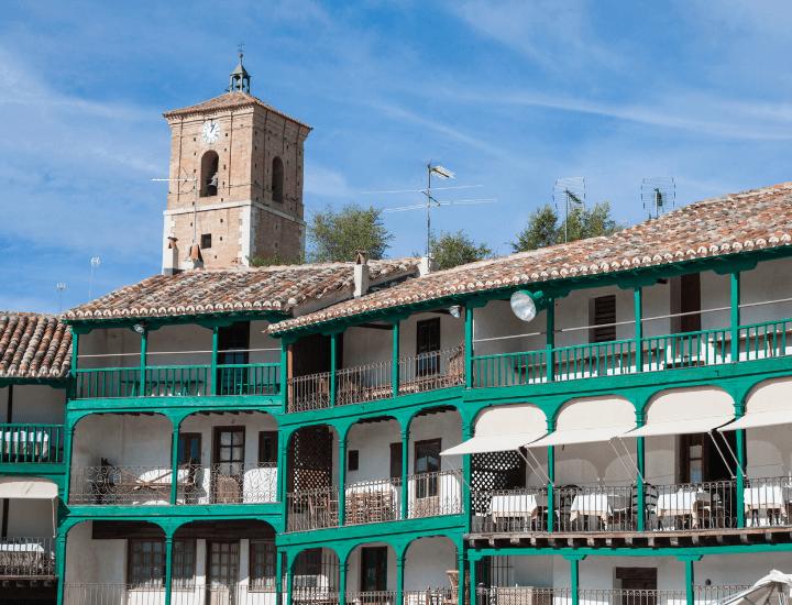 Espectacular detalle de la plaza de Chinchón, uno de los pueblos mas bonitos de Madrid