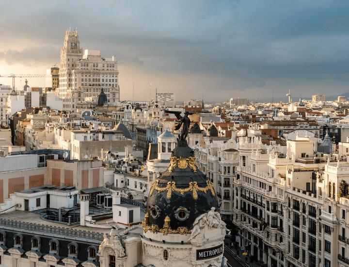 Increíble vista desde el mirador del Círculo de Bellas Artes de Madrid, España