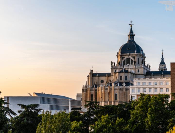 Bonita vista desde los Jardines de Las Vistillas en Madrid, España