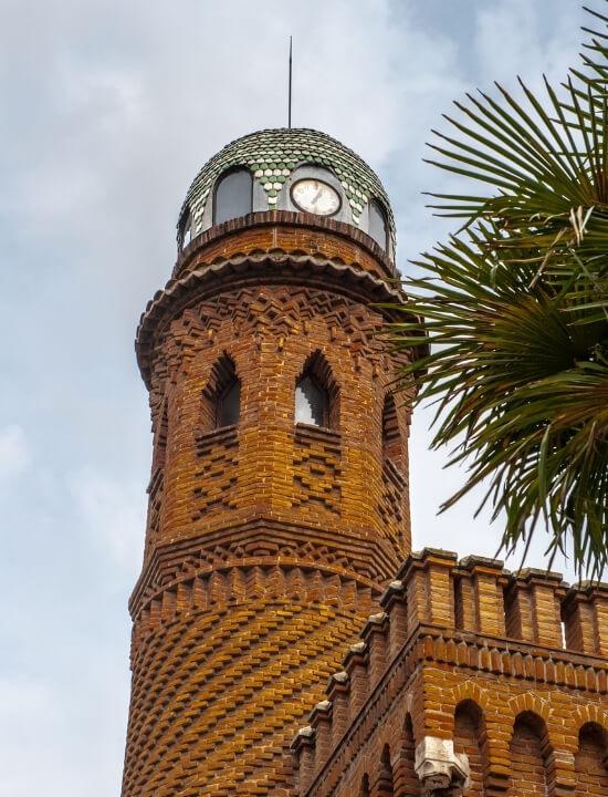 Hermoso detalle del minarete del Palacete de Laredo, en Alcalá de Henares