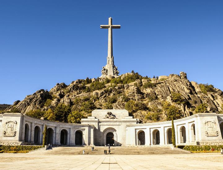 Vista del célebre monumento del Valle de los Caídos, en España